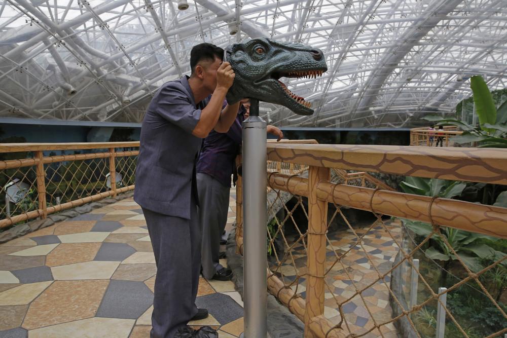 【画像あり】北朝鮮の一般的な上級国民の生活の様子、案外まともそう・・・・・(画像多数)・22枚目