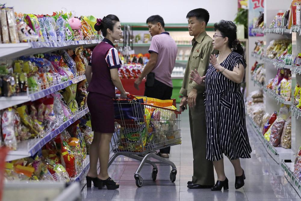 【画像あり】北朝鮮の一般的な上級国民の生活の様子、案外まともそう・・・・・(画像多数)・24枚目