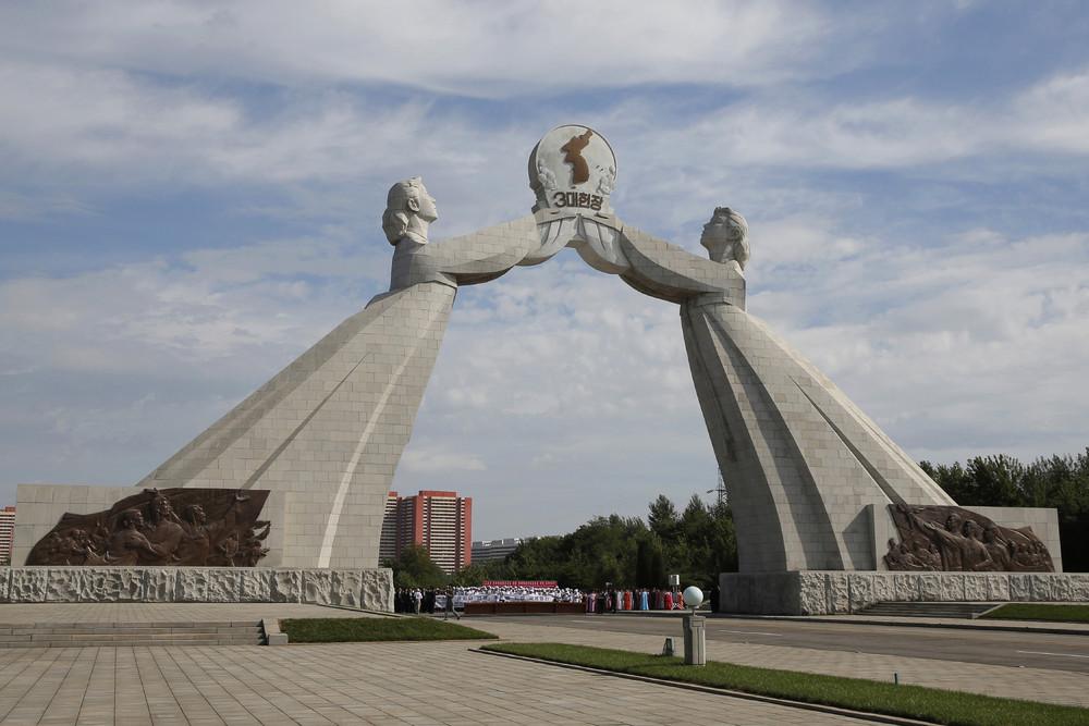 【画像あり】北朝鮮の一般的な上級国民の生活の様子、案外まともそう・・・・・(画像多数)・39枚目
