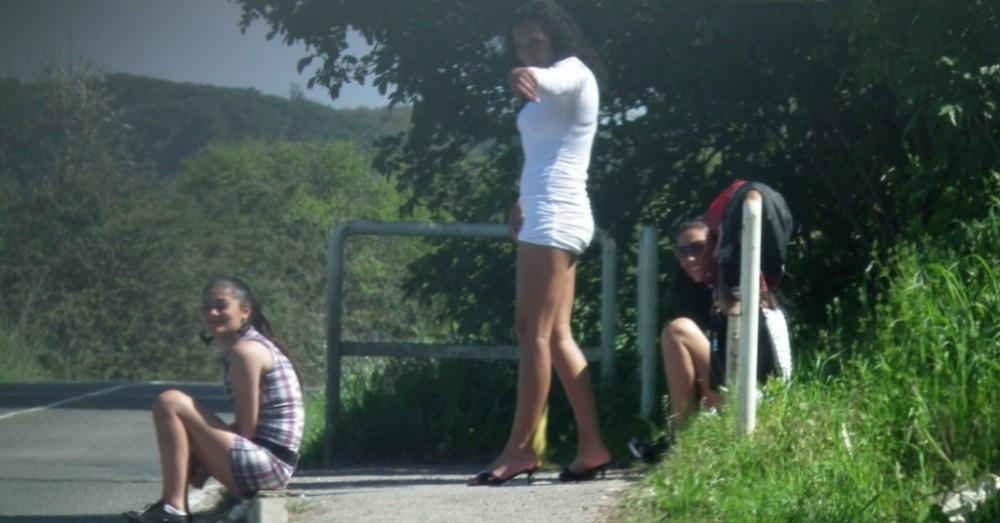 【売春婦】ストリートで稼ぐ海外の路上売春婦、ヤリたいけどリスク高過ぎだろ・・・・・(画像)・14枚目