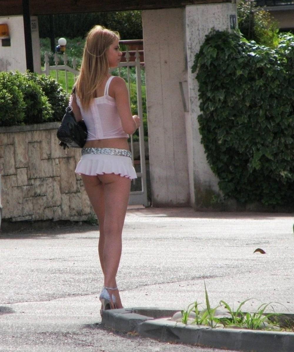 【売春婦】ストリートで稼ぐ海外の路上売春婦、ヤリたいけどリスク高過ぎだろ・・・・・(画像)・15枚目