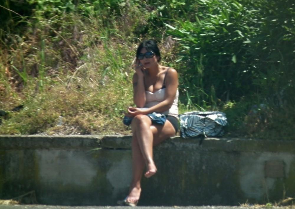 【売春婦】ストリートで稼ぐ海外の路上売春婦、ヤリたいけどリスク高過ぎだろ・・・・・(画像)・26枚目