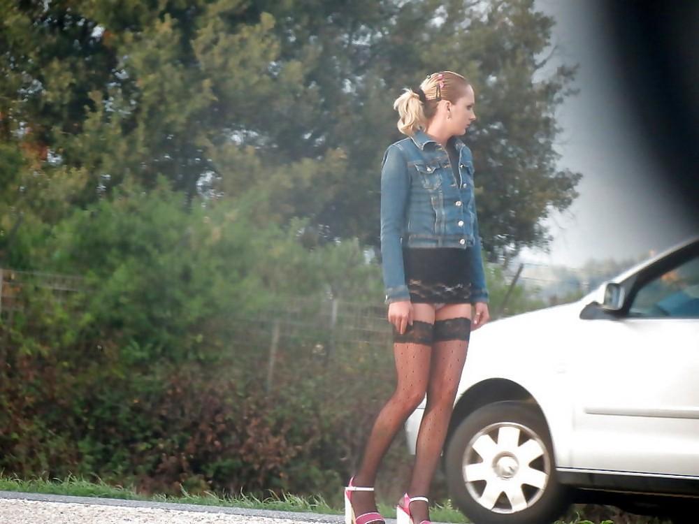 【売春婦】ストリートで稼ぐ海外の路上売春婦、ヤリたいけどリスク高過ぎだろ・・・・・(画像)・27枚目
