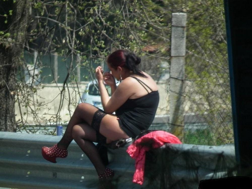 【売春婦】ストリートで稼ぐ海外の路上売春婦、ヤリたいけどリスク高過ぎだろ・・・・・(画像)・35枚目