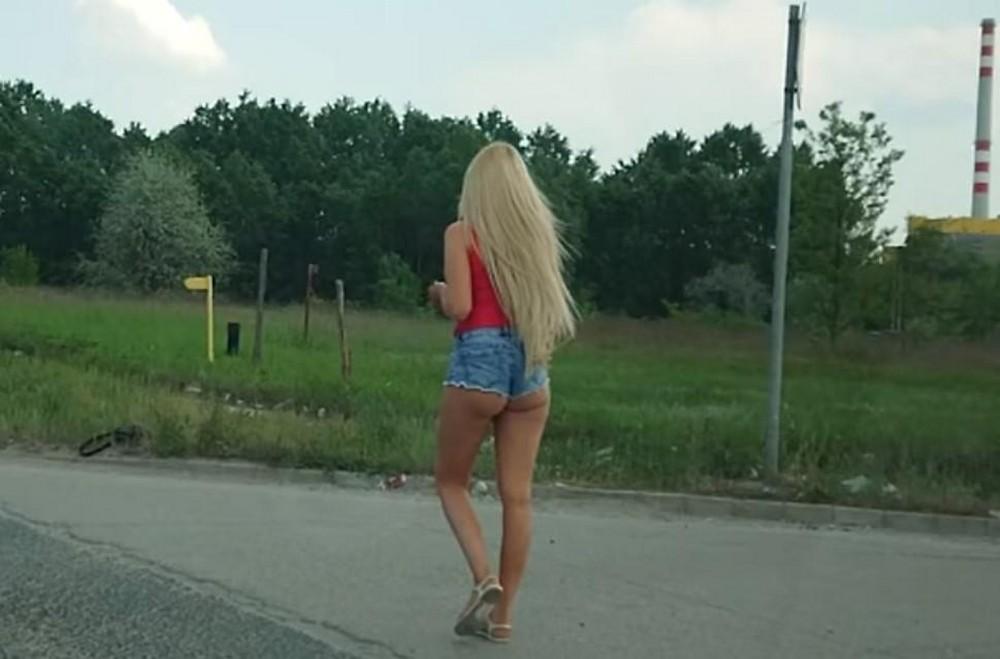 【売春婦】ストリートで稼ぐ海外の路上売春婦、ヤリたいけどリスク高過ぎだろ・・・・・(画像)・36枚目