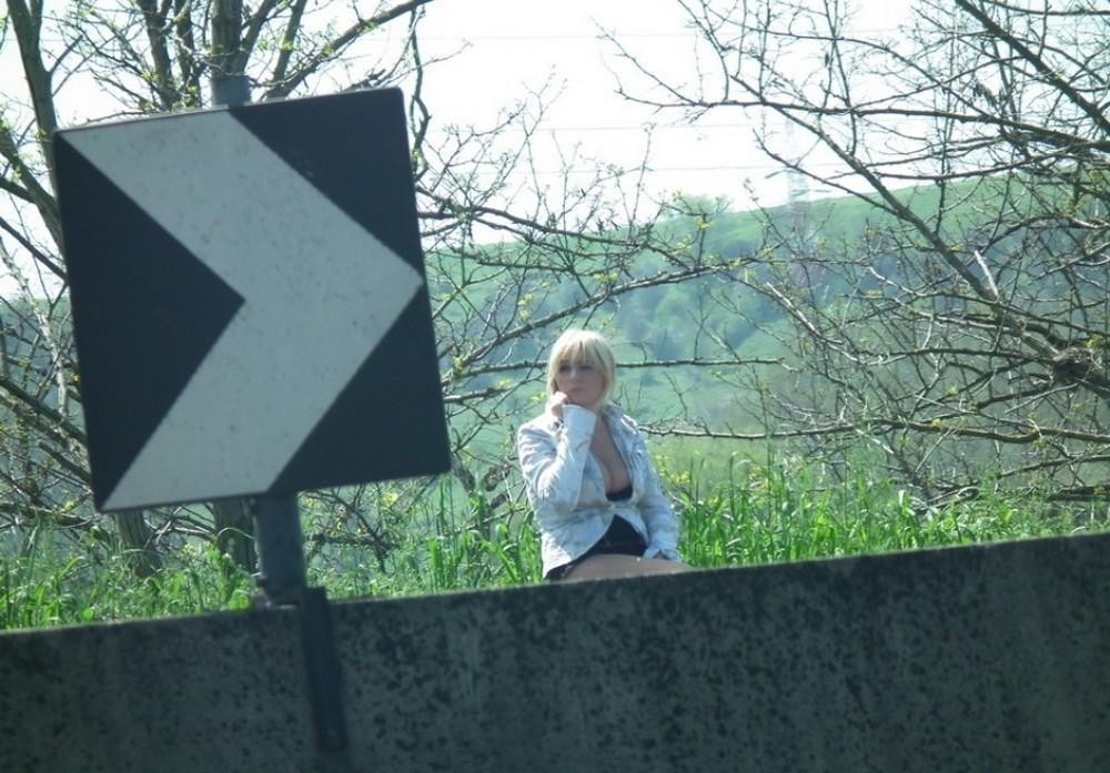 【売春婦】ストリートで稼ぐ海外の路上売春婦、ヤリたいけどリスク高過ぎだろ・・・・・(画像)・41枚目