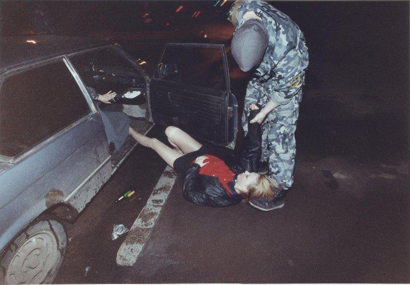 【ロシア美女】1990年代ソ連崩壊後のロシアの様子がコチラ、一気に退廃的になってるな・・・・・(動画)・25枚目