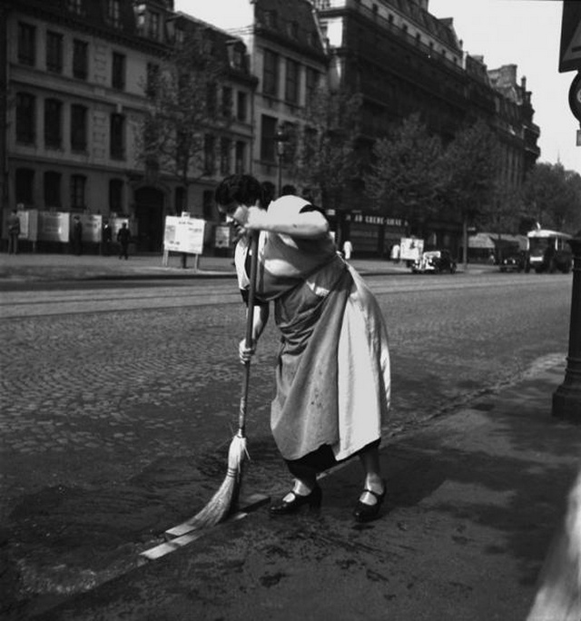 【画像多数】第二次大戦下パリで撮られた日常風景、そりゃ枢軸国負けるよ・・・・・・15枚目
