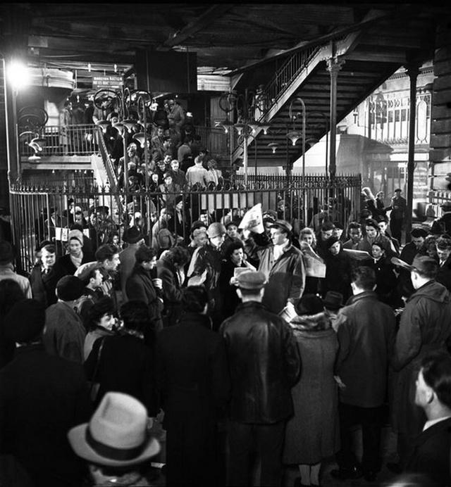 【画像多数】第二次大戦下パリで撮られた日常風景、そりゃ枢軸国負けるよ・・・・・・16枚目