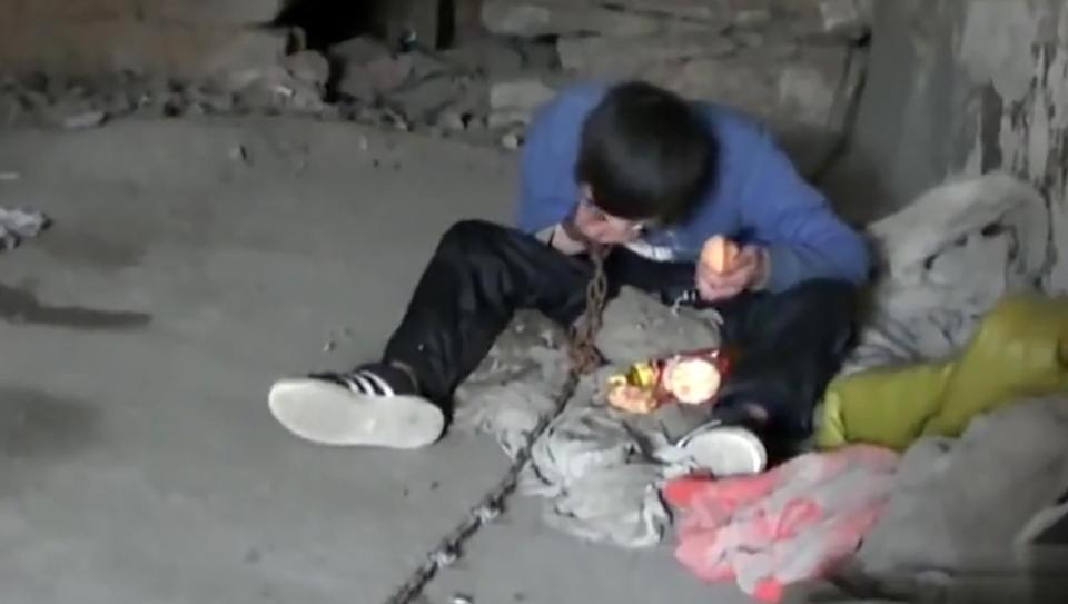 【闇深】中国の聴覚障碍者さん、実の母親から10年以上石倉に鎖で繋がれる・・・・・(画像)・3枚目