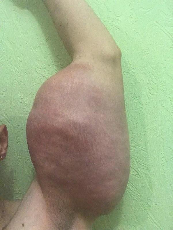 【二頭筋無双】リアルポパイのような腕を持つロシアの男性、何か身体のバランスが・・・・・(画像)・3枚目