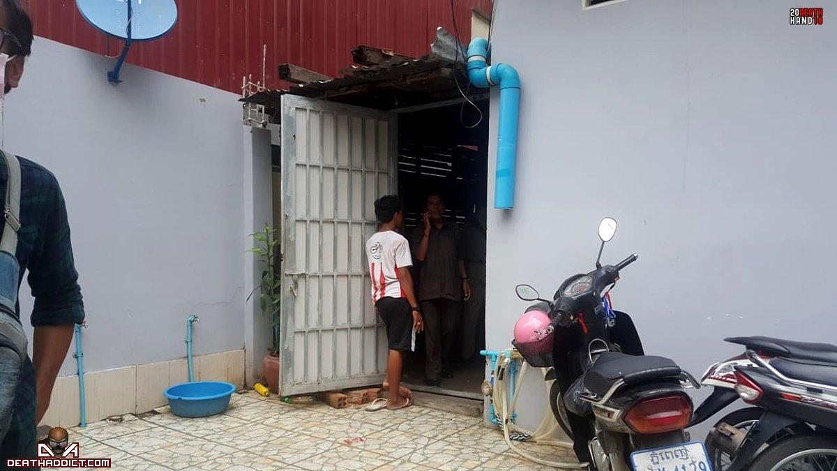 【閲覧注意】カンボジアのアパートで異臭騒ぎ、警察と大家さんで部屋を確認した結果・・・・・(画像)・2枚目