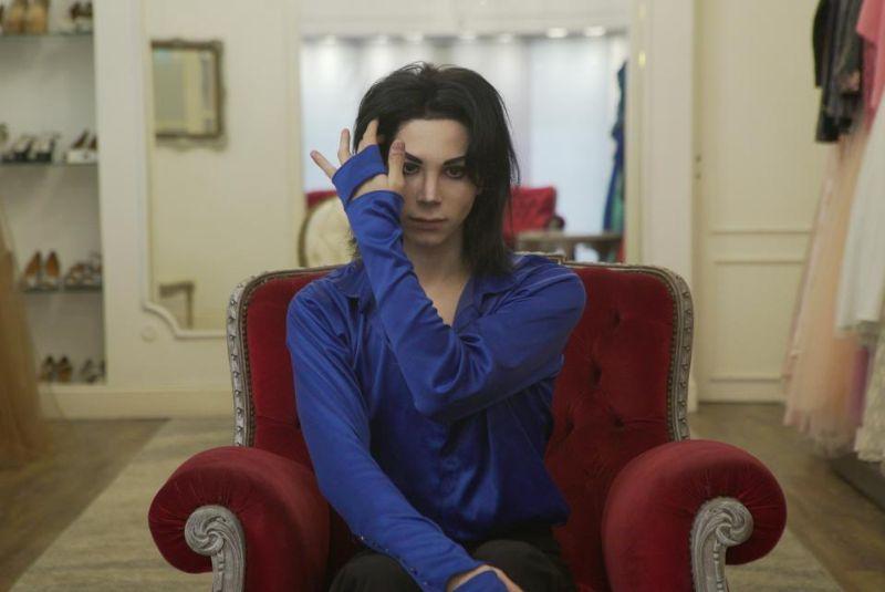 【生き写し!】整形に3万ドル使ってマイケル・ジャクソンになったアルゼンチン人男性、クオリティがヤバい!!(画像)・3枚目
