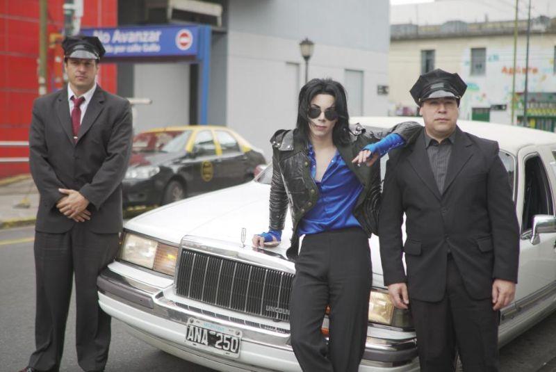 【生き写し!】整形に3万ドル使ってマイケル・ジャクソンになったアルゼンチン人男性、クオリティがヤバい!!(画像)・8枚目