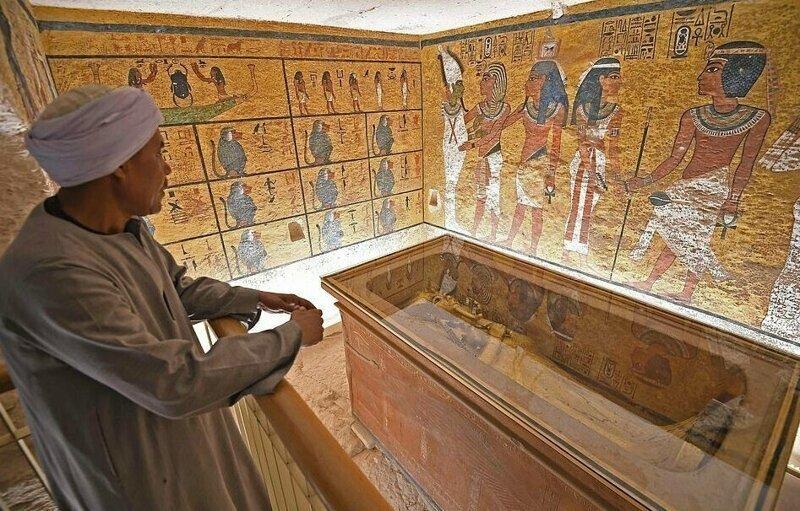 【ミイラ画像】10年の歳月をかけて修復されたツタンカーメンの王墓とミイラ、その画像がコチラ!!(画像)・6枚目