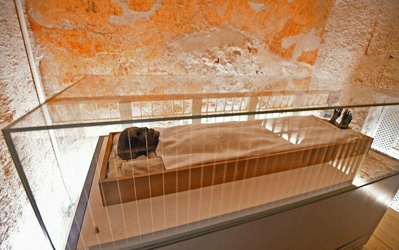【ミイラ画像】10年の歳月をかけて修復されたツタンカーメンの王墓とミイラ、その画像がコチラ!!(画像)・7枚目