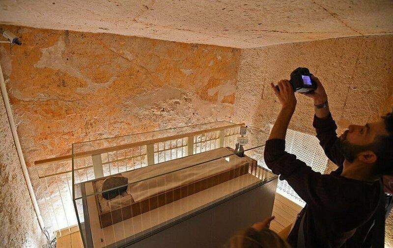【ミイラ画像】10年の歳月をかけて修復されたツタンカーメンの王墓とミイラ、その画像がコチラ!!(画像)・8枚目