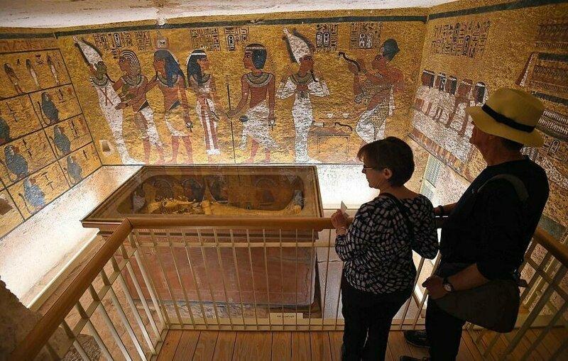 【ミイラ画像】10年の歳月をかけて修復されたツタンカーメンの王墓とミイラ、その画像がコチラ!!(画像)・12枚目