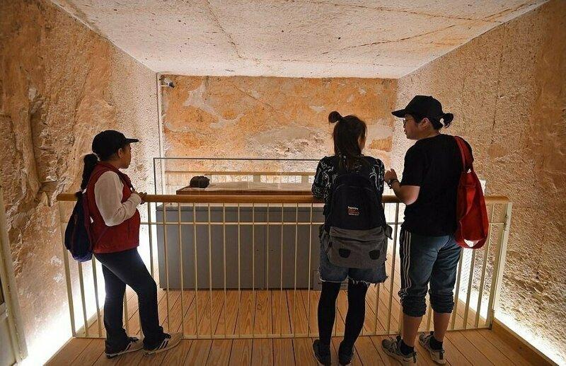 【ミイラ画像】10年の歳月をかけて修復されたツタンカーメンの王墓とミイラ、その画像がコチラ!!(画像)・13枚目