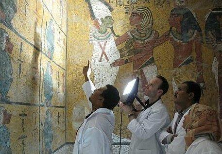【ミイラ画像】10年の歳月をかけて修復されたツタンカーメンの王墓とミイラ、その画像がコチラ!!(画像)・20枚目