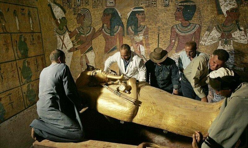【ミイラ画像】10年の歳月をかけて修復されたツタンカーメンの王墓とミイラ、その画像がコチラ!!(画像)・24枚目
