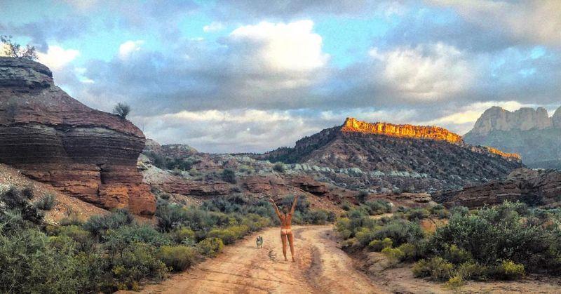 【大自然ヌード】動物を連れてアメリカ中を全裸でハイキングする35歳獣医師、正直エロいwwwwwww(画像)・17枚目