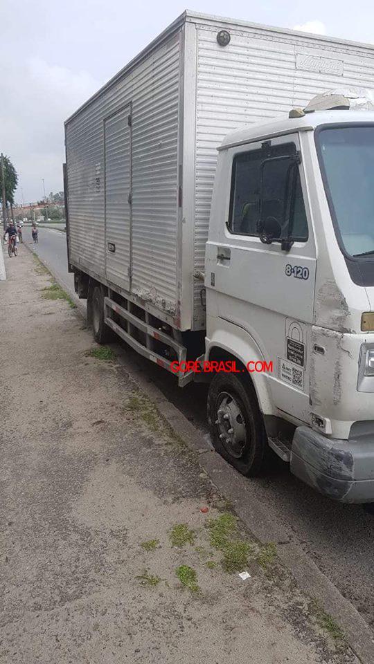 【自業自得】ブラジルのトラック強盗、停車中のトラックを襲おうとしてとんでもない反撃を喰らう!!(画像)・1枚目