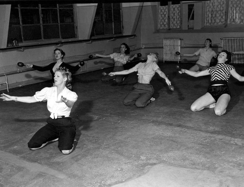 【貴重画像】1930年代フランスのキャバレーの様子がコチラ、そら日本負けるわ・・・・・(画像)・10枚目