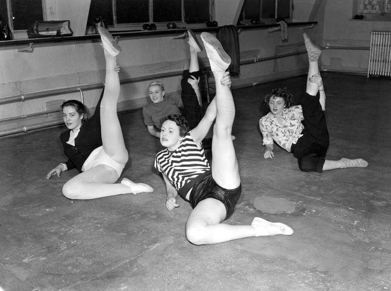 【貴重画像】1930年代フランスのキャバレーの様子がコチラ、そら日本負けるわ・・・・・(画像)・13枚目