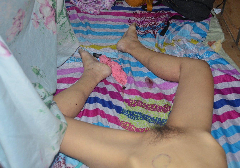 【閲覧注意】レイプされ殺された中国人少女、おっぱいと性器をザクザク刺されてる・・・・・(画像)・4枚目