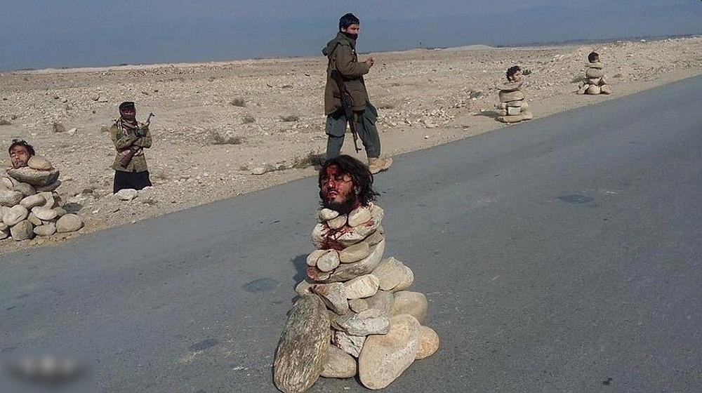 【アッラーアクバル】ISISとアフガニスタン軍の熾烈な争い、捕らえられた兵士はこうなる・・・・・(画像)・2枚目