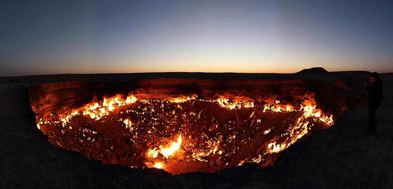 """【神秘的】ドローンで撮影されたトルクメニスタンのガスクレーター""""地獄門""""、ただただ凄過ぎる・・・・・(画像、動画)・7枚目"""