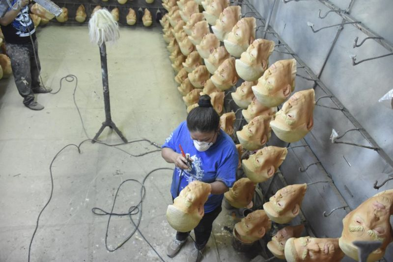 【超リアル】メキシコにあるドナルド・トランプ製造工場の様子がコチラ、怖過ぎだろ・・・・・(画像)・2枚目