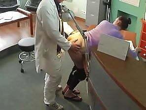 【監視カメラ】どうせチェックなどしないと監視カメラのある場所でハメたカップル、同僚によって晒される・・・・・(画像)・2枚目