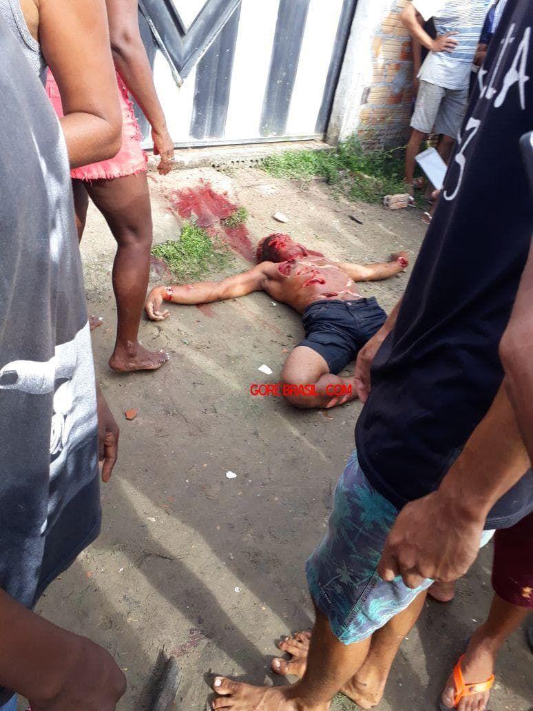 【治外法権】81歳のお爺ちゃんと殺害した若者、村人に捕まり全身を切り刻まれて処刑される!!(画像)・2枚目