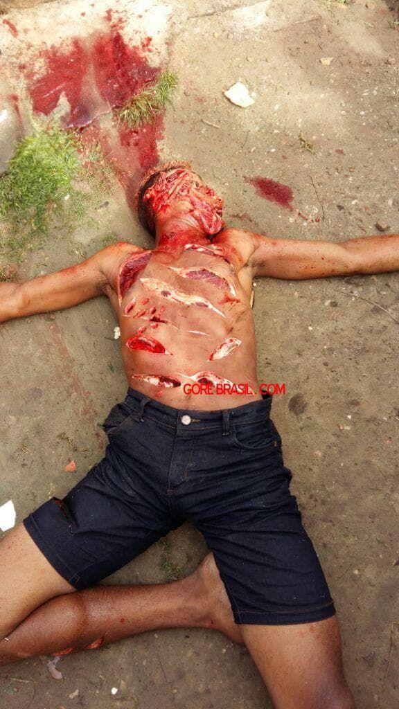 【治外法権】81歳のお爺ちゃんと殺害した若者、村人に捕まり全身を切り刻まれて処刑される!!(画像)・3枚目