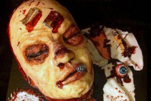 """【怖過ぎ】世にも恐ろしい""""人体ケーキ""""、作った奴頭おかしいだろ・・・・・(画像)・1枚目"""