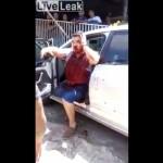 【超人】銃撃された車から血まみれになりながらイテテテって出てくるブラジル男性、ターミネーターかよ!!(動画)