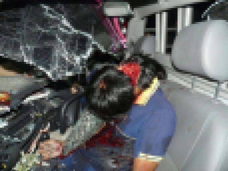 【グロ注意】高速で事故った人、車内にもかかわらずとんでもない所から頭がザックリいってしまう・・・・・(画像)・4枚目