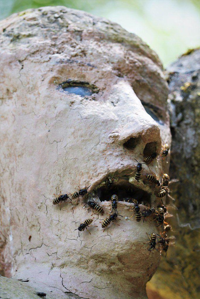 【怖過ぎ】フィンランドの彫刻家が庭に設置した450体の作品、ホラー過ぎだろ!!(画像)・3枚目