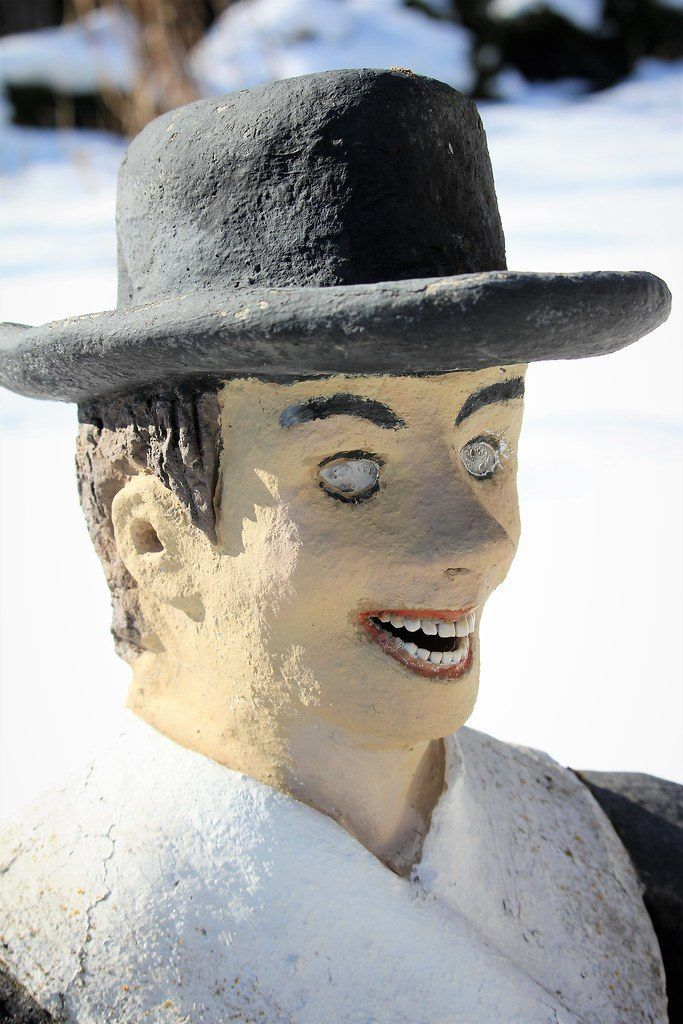 【怖過ぎ】フィンランドの彫刻家が庭に設置した450体の作品、ホラー過ぎだろ!!(画像)・11枚目