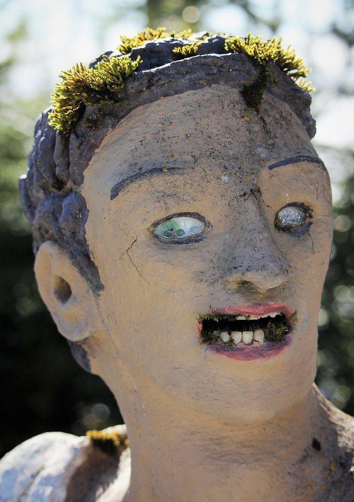 【怖過ぎ】フィンランドの彫刻家が庭に設置した450体の作品、ホラー過ぎだろ!!(画像)・13枚目