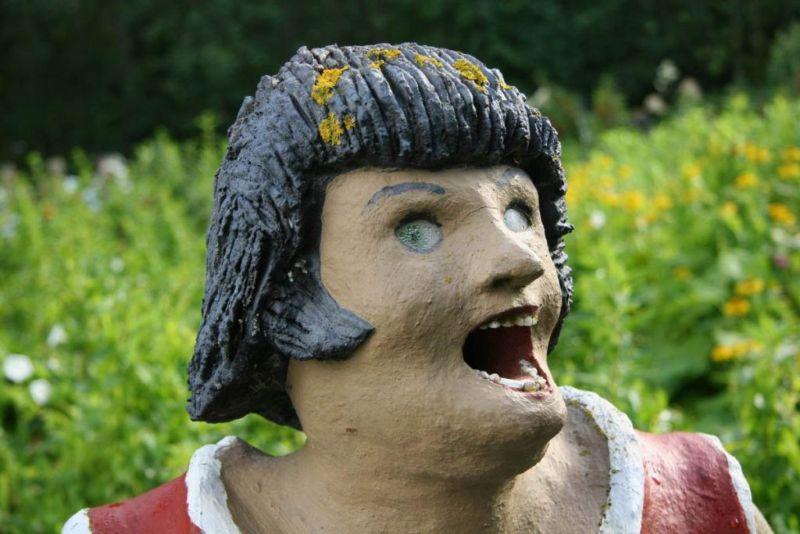 【怖過ぎ】フィンランドの彫刻家が庭に設置した450体の作品、ホラー過ぎだろ!!(画像)・14枚目