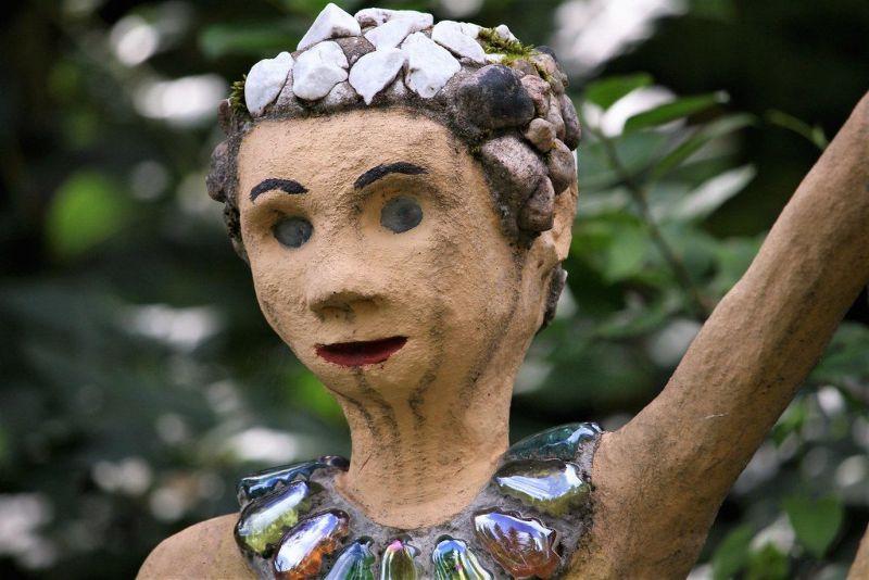 【怖過ぎ】フィンランドの彫刻家が庭に設置した450体の作品、ホラー過ぎだろ!!(画像)・15枚目