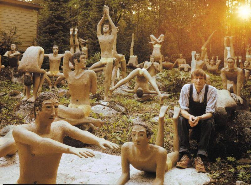 【怖過ぎ】フィンランドの彫刻家が庭に設置した450体の作品、ホラー過ぎだろ!!(画像)・31枚目