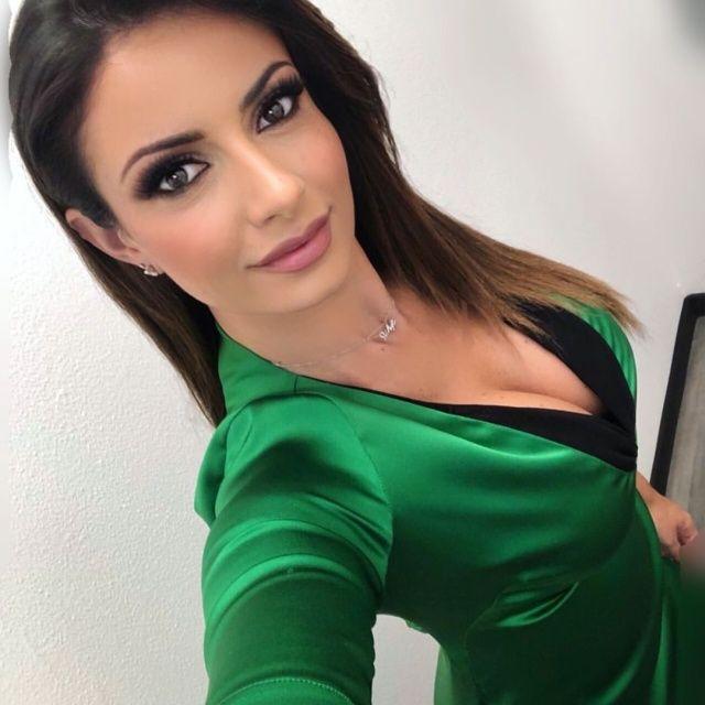 【超セクシー】イタリアで最もエロいジャーナリストSultry Signorina、セックスアピール強すぎだろ!!(画像)・5枚目