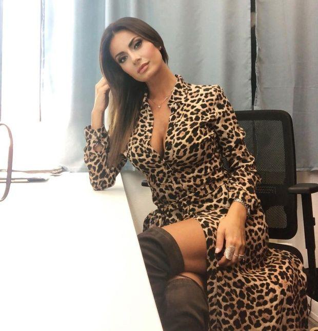 【超セクシー】イタリアで最もエロいジャーナリストSultry Signorina、セックスアピール強すぎだろ!!(画像)・7枚目