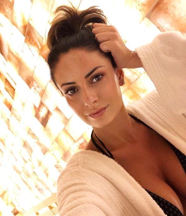 【超セクシー】イタリアで最もエロいジャーナリストSultry Signorina、セックスアピール強すぎだろ!!(画像)・14枚目