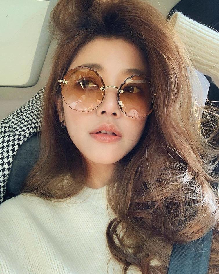【超美魔女】タイの奇跡と言われる43歳のJKみたいな見た目のおばさん、正直ヤリたい!!(画像)・12枚目