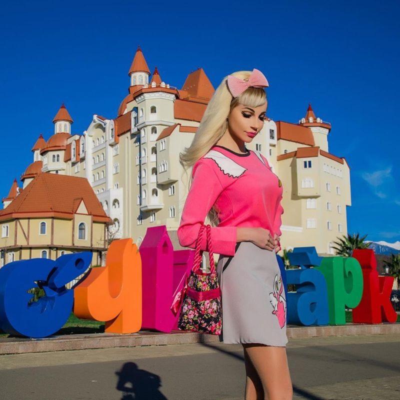 【バービーBBA】ロシアの32歳バービー好きおばさん、全力で全盛期を維持する・・・・・(画像)・12枚目